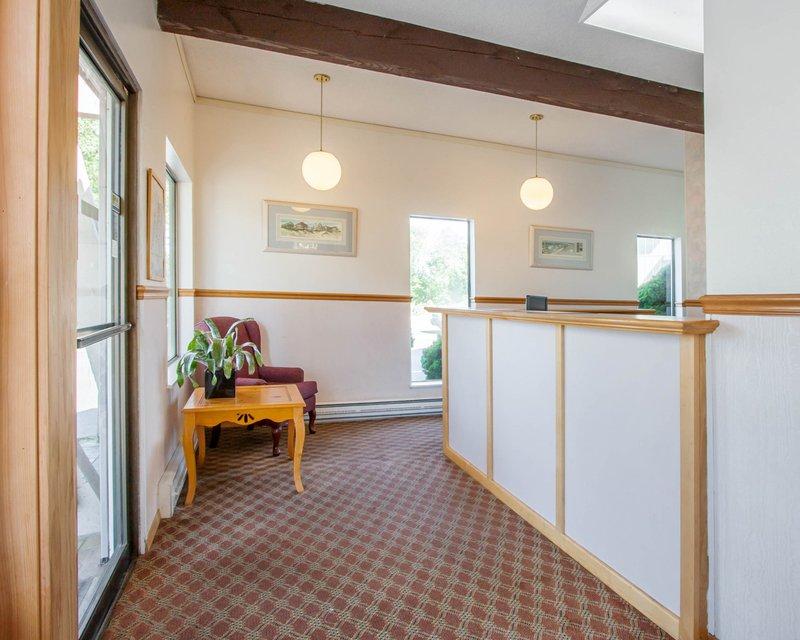 Econo Lodge In Lincoln City Or 97367 Citysearch