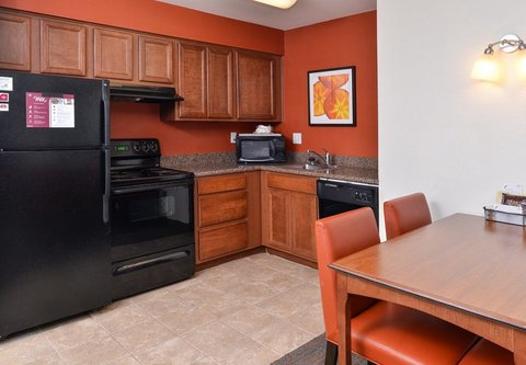 Residence Inn Bozeman - Two Bedroom Suite - Kitchen Area