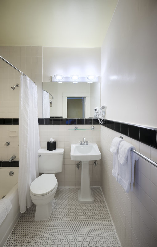 Best discount hotel in san francisco metro for P bathroom suites cheap