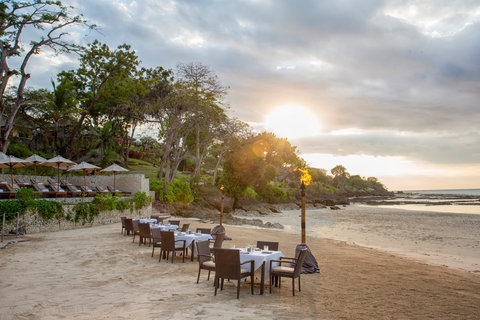Four Seasons Resort Bali at Jimbaran Bay - Tables on the Sand