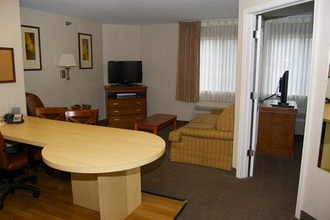 Candlewood Suites ELKHART - One Queen Bed Suite
