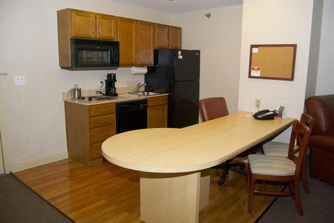 Candlewood Suites ELKHART - One Queen Bed Suite Kitchen