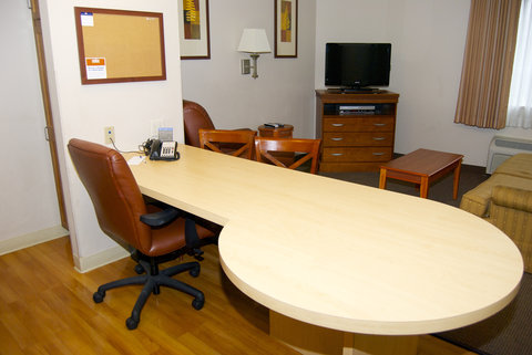 Candlewood Suites ELKHART - One Queen Bed Suite Work Area