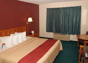 Room - Red Roof Inn Osage Beach