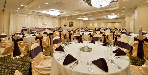 BEST WESTERN PLUS Dubuque Hotel & Conference Center - Dubuque Weddings