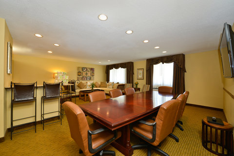 BEST WESTERN PLUS Dubuque Hotel & Conference Center - Suite Meetings