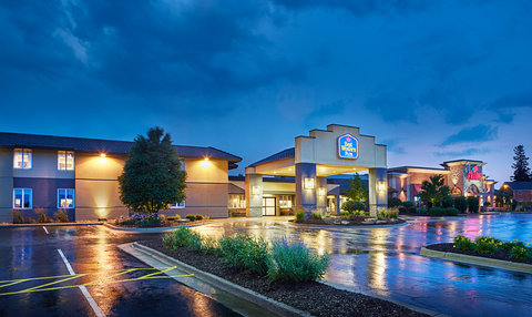 BEST WESTERN PLUS Dubuque Hotel & Conference Center - What s Around