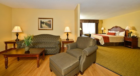BEST WESTERN PLUS Dubuque Hotel & Conference Center - King Executive Suite