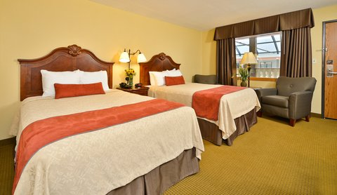 BEST WESTERN PLUS Dubuque Hotel & Conference Center - Two Queen Poolside