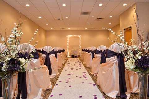 BEST WESTERN PLUS Dubuque Hotel & Conference Center - Event Wedding Ceremony