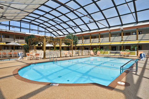 BEST WESTERN PLUS Dubuque Hotel & Conference Center - Indoor Pool