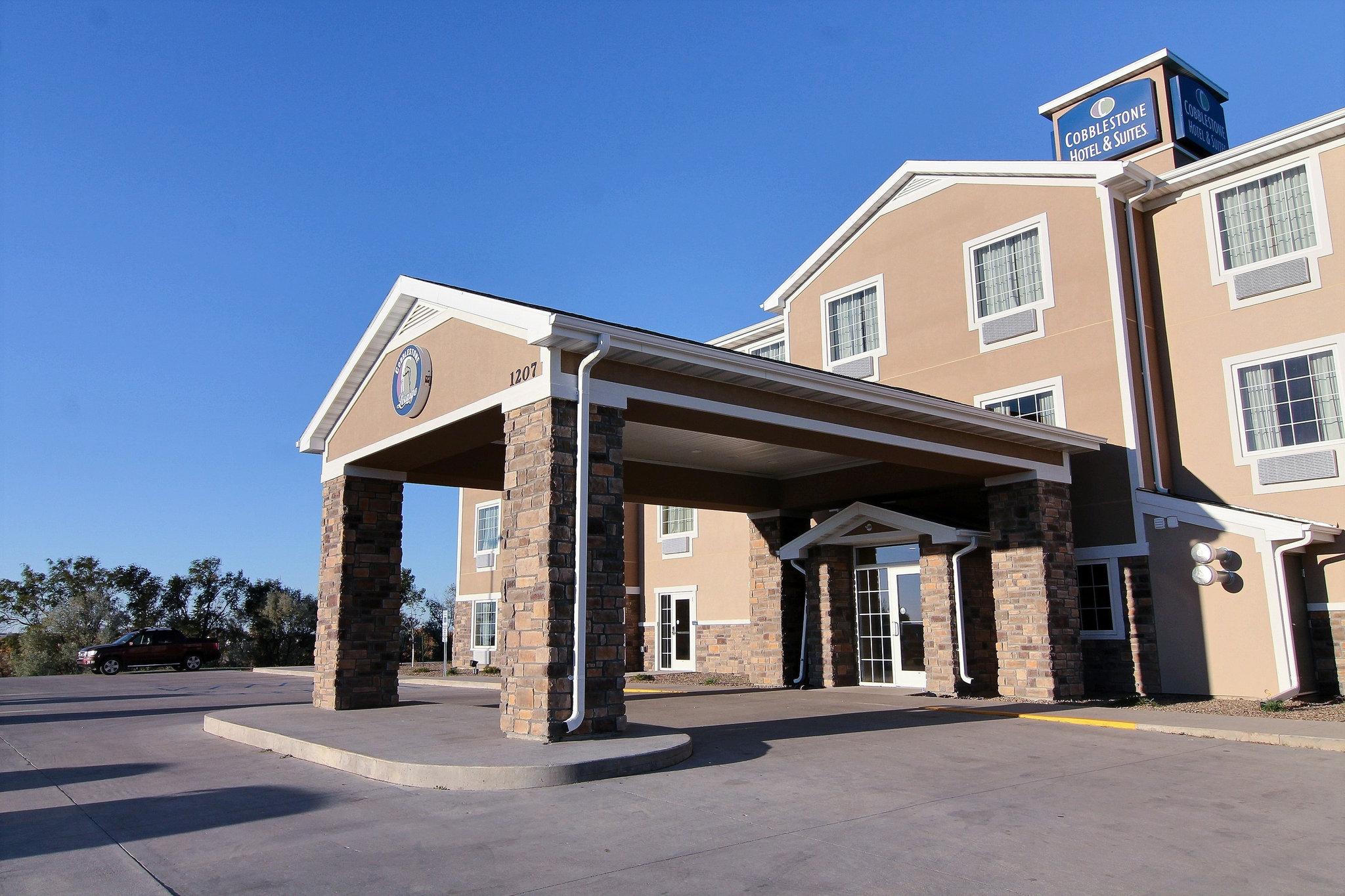 Cobblestone Hotel & Suites Beulah