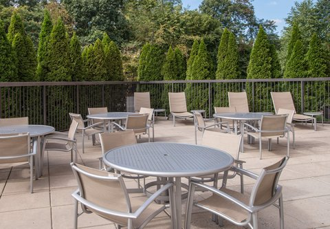 SpringHill Suites Hagerstown - Outdoor Patio
