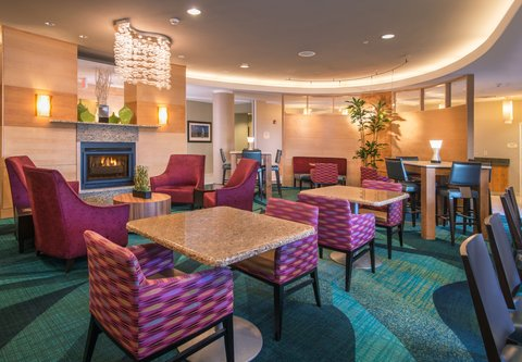 SpringHill Suites Hagerstown - Dining Area