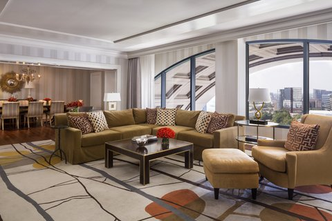 Four Seasons Atlanta - Presidential Suite Living Room