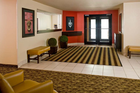 Extended Stay America - Cincinnati - Blue Ash - Reed Hartman - Lobby and Guest Check-in