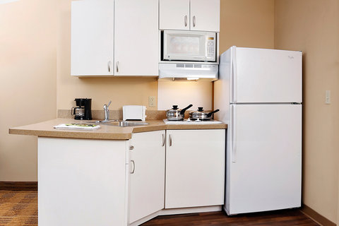 Extended Stay America - Cincinnati - Blue Ash - Reed Hartman - Fully-Equipped Kitchens