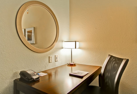 SpringHill Suites Erie - Suite Work Desk
