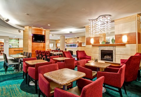 SpringHill Suites Erie - Dining Area