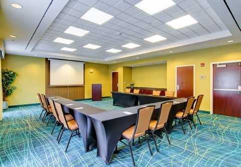 SpringHill Suites Erie - Meeting Room - U-Shape Setup