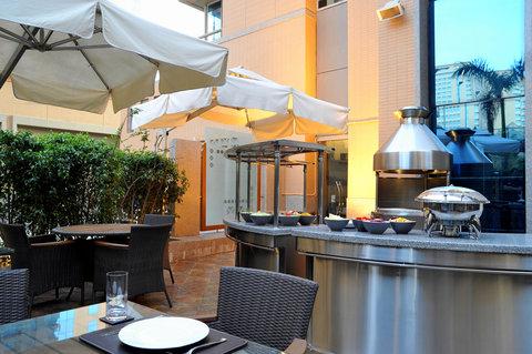 فندق ستيبردج سيتي ستار - Staybridge Suites Cairo -  The Terrace