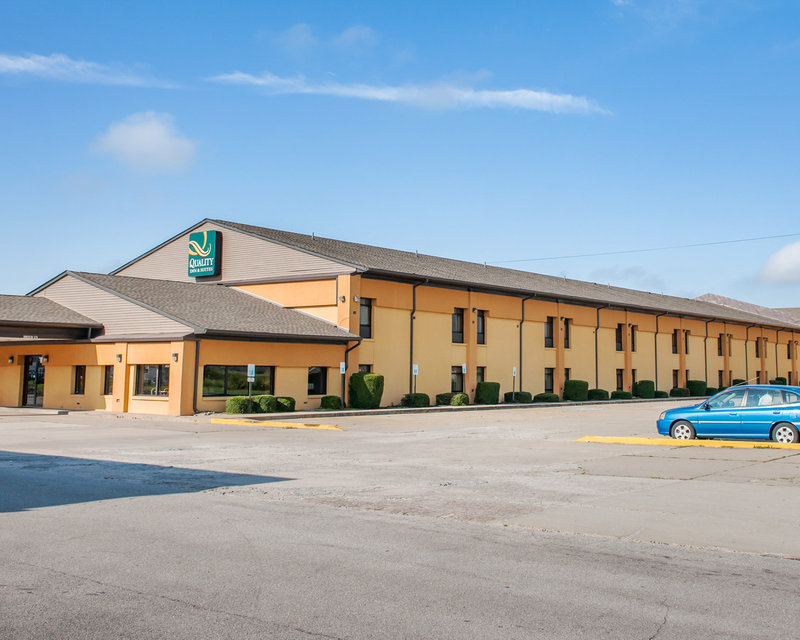 QUALITY INN AND SUITES GREENSBU
