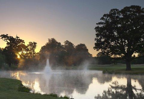 Hanbury Manor Marriott Hotel & Country Club - Hanbury Manor Country Club Fountain