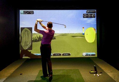 Hanbury Manor Marriott Hotel & Country Club - Hanbury Manor Country Club Golf Simulator