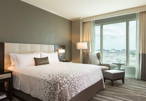 Renaissance Tampa International Plaza Hotel - Presidential Suite Bedroom