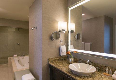 Renaissance Tampa International Plaza Hotel - Presidential Suite Bathroom