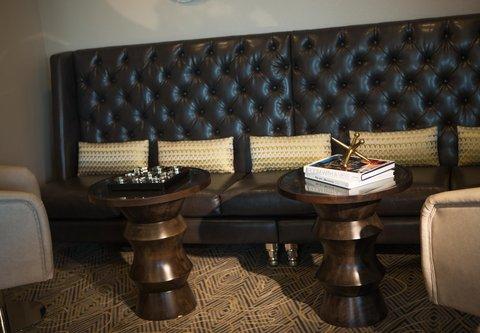 Renaissance Tampa International Plaza Hotel - Club Lounge -Details