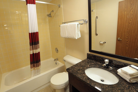 Red Roof Inn Grand Forks - Bath