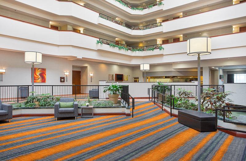 Holiday Inn UNIVERSITY PLAZA-BOWLING GREEN - Drake, KY