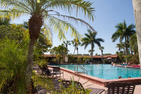 Port Of The Islands Resort - Pool