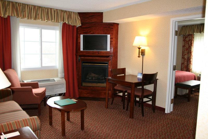 Holiday Inn SALEM (I-93 AT EXIT 2) - Salem, NH