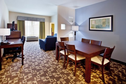 Holiday Inn Express & Suites ATLANTA ARPT WEST - CAMP CREEK - Holiday Inn Express   Suites Atlanta Aprt West -Executive Suite