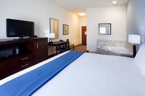 Holiday Inn Express & Suites ATLANTA ARPT WEST - CAMP CREEK - Holiday Inn Express   Suites Atlanta Arpt West King w  Whirlpool