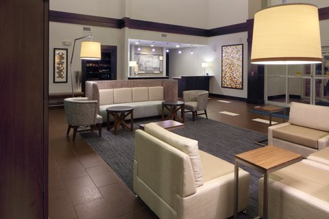 Holiday Inn Express & Suites ATLANTA ARPT WEST - CAMP CREEK - Hotel Lobby