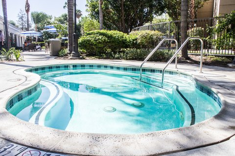 Staybridge Suites Anaheim Resort - Whirlpool