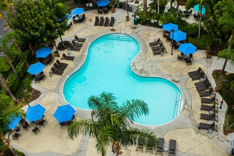 Staybridge Suites Anaheim Resort - Swimming Pool