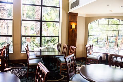 Staybridge Suites Anaheim Resort - Restaurant