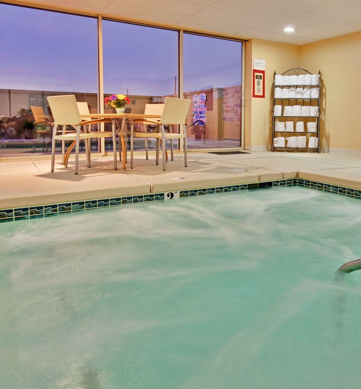Holiday Inn Express LAS VEGAS-NELLIS in Las Vegas, NV, photo #2