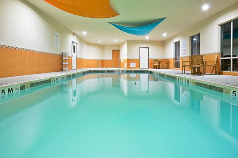 Holiday Inn Express & Suites DALLAS EAST - FAIR PARK - Swimming Pool