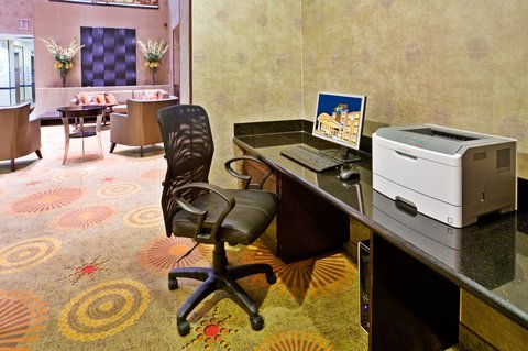 Holiday Inn Express & Suites DALLAS EAST - FAIR PARK - Business Center