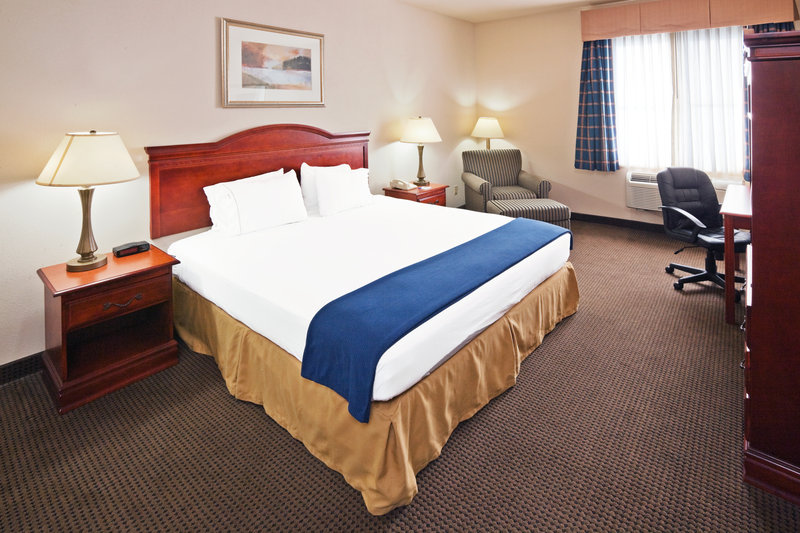 Holiday Inn Express OWASSO - Schaumburg, IL