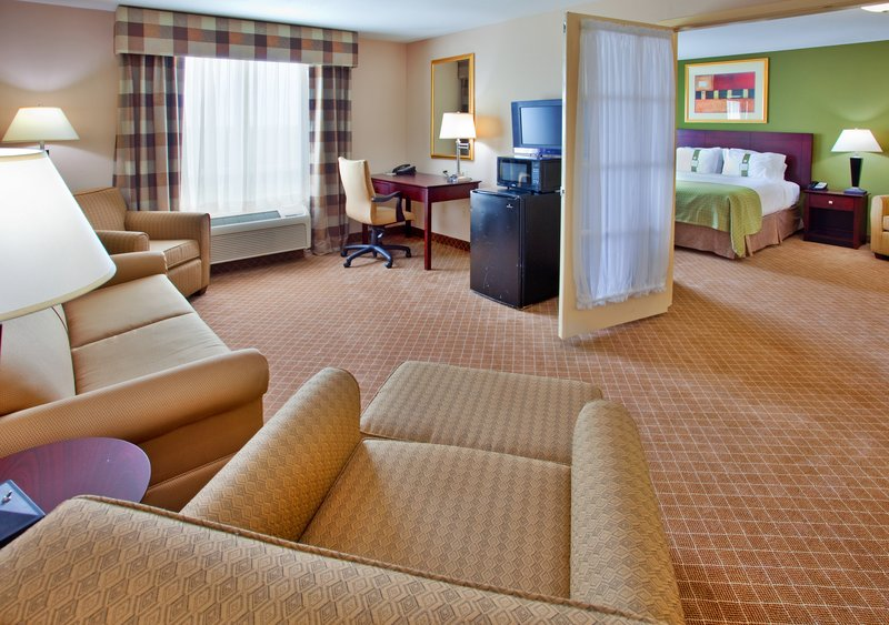 Holiday Inn KANSAS CITY AIRPORT - Kansas City, MO