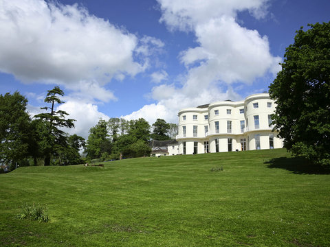 Mercure Gloucester Bowden Hall Hotel - Exterior