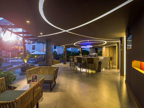 Novotel Phuket Karon Beach Resort And Spa  - Interior