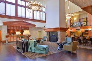 Lobby - Hampton Inn & Suites University Northwest Calgary