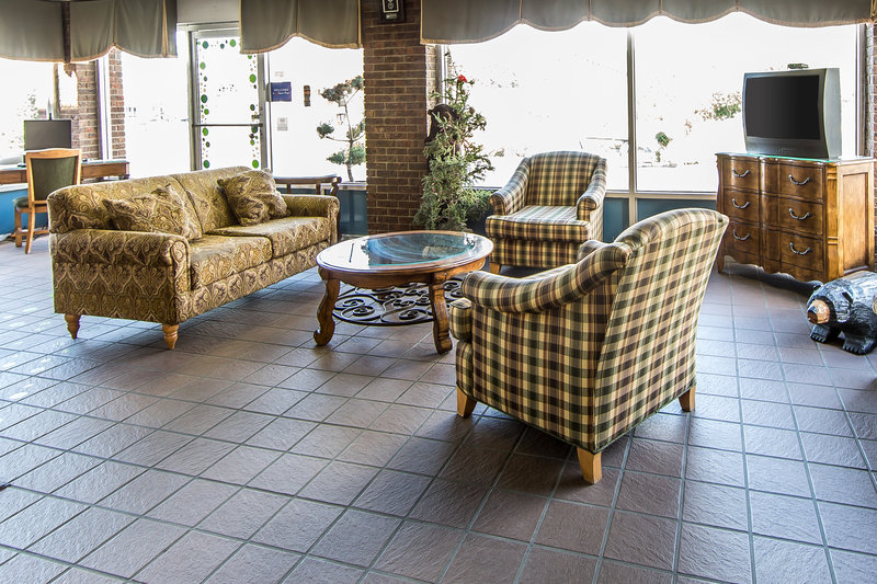 Family inns of america inc in pigeon forge tn 37863 for Riverside motor lodge pigeon forge